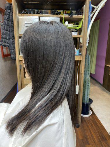 梳き方一つで髪の毛は簡単にダメージが出ます。扱いにくくなる梳き方!